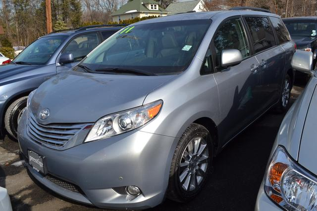 2011 Toyota Sienna  CD player MP3 decoder Radio data system Air Conditioning Front dual zone