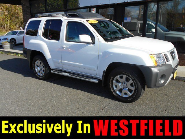 2010 Nissan Xterra Four Wheel Drive Power Steering 4-Wheel Disc Brakes Tires - Front All-Season