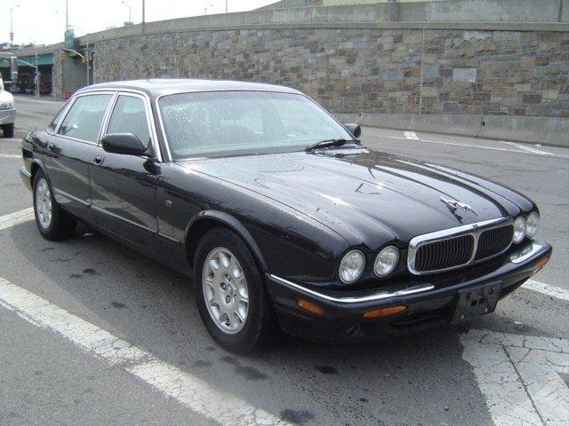 2001 Jaguar XJ8 4dr Car Driver Air Bag Passenger Air Bag Front Side Air Bag Climate Control AC