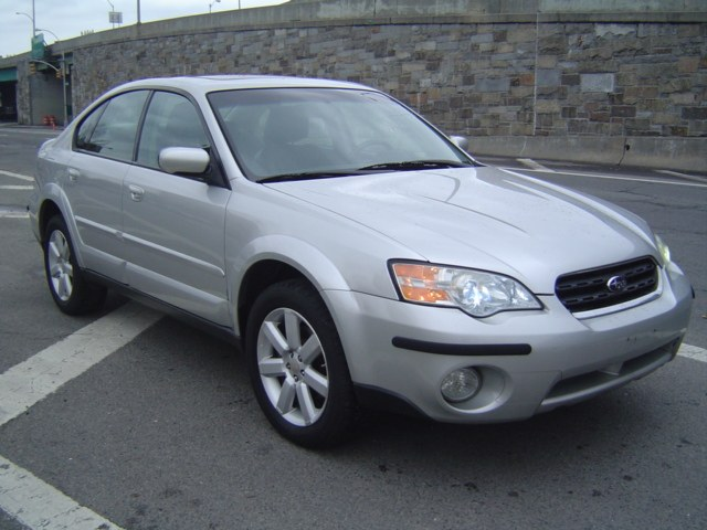 2007 Subaru Outback 4dr Car 4 Cylinder Engine 4-Speed AT ABS 4-Wheel Disc Brakes AC AT Adj